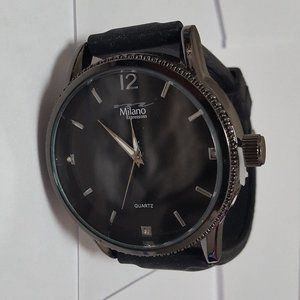 Milano Mens Analog Quartz Watch Rubber Band NWOT
